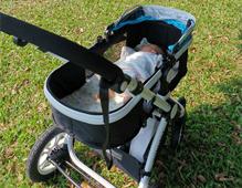 婴儿车什么时候开始用