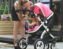 婴儿车怎么用 正确的使用婴儿车