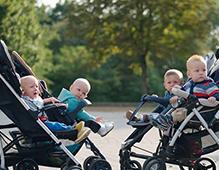 如何选购婴儿车 安全避震是刚需