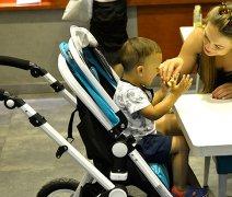 买婴儿推车还是伞车好