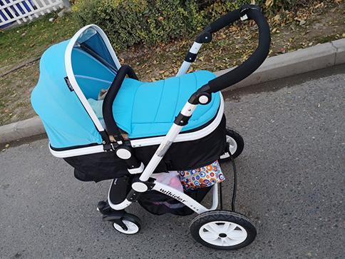 婴儿推车多大开始用?出生就可以开始用